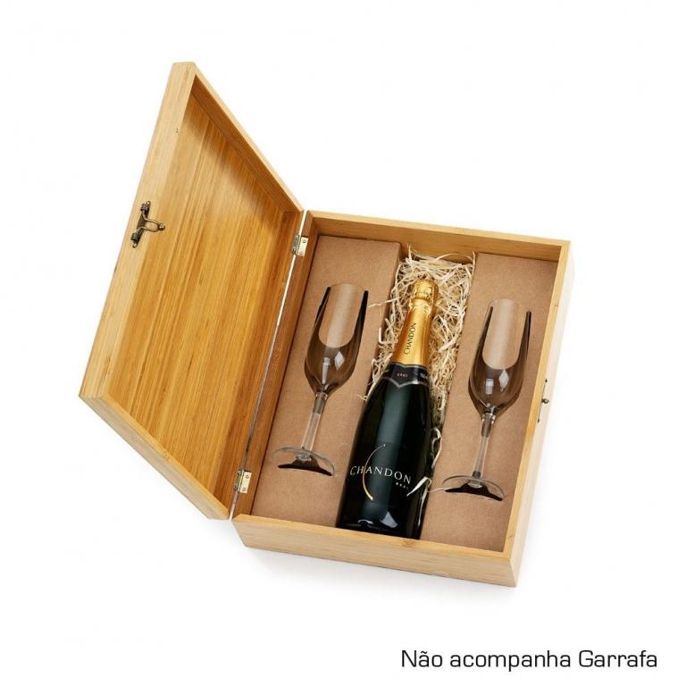 Caixa em bambu com 2 taças para champanhe